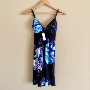 👗NWT Cute Floral Summer Dress